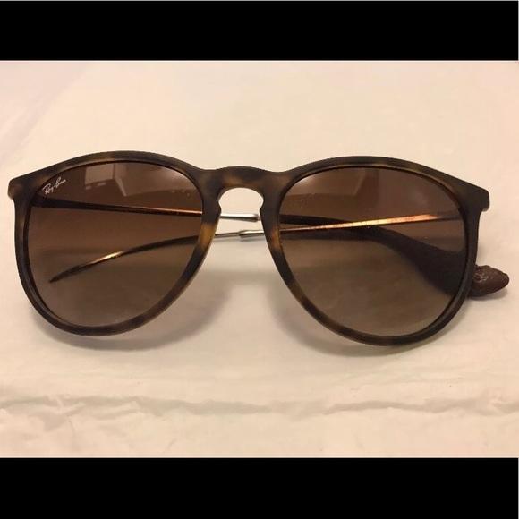113b2fa3811164 Ray Ban Erika sunglasses—damaged. M 5b37d3ef7386bcb5e4648e9c